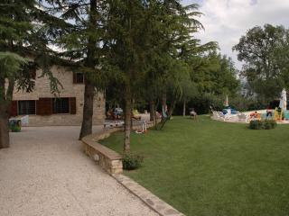 Umbria Country Home - Incantevole Umbria, Massa Martana