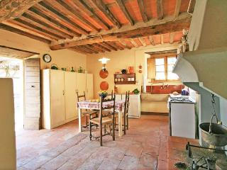 A charming two-floor farmhouse, San Martino in Freddana