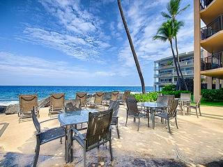 Oceanfront 2 bedroom condo with amazing Ocean and Sunset views