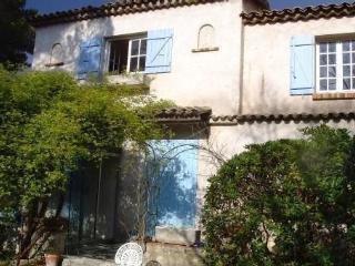 Charming villa rental in Valbonne