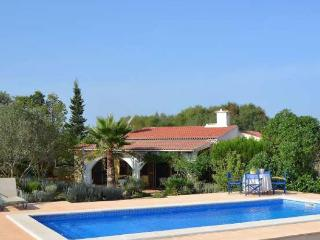 099 Rustic Finca in Mallorca for family with pool, Santa Margalida