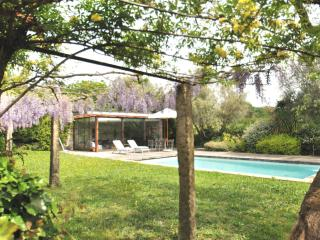 PONTE de LIMA - HEATED CHILD SAFE POOL - WALKING DISTANCE TO BEACH, RIVER, TOWN, Ponte de Lima