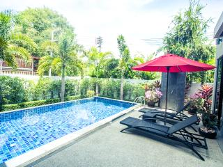 New Nai Harn Villa, 3 br., secure Baanbua estate