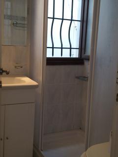 Shower room no2