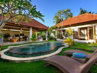 Heaven of Tranquility in Canggu - 2BD Villa Prana, Pererenan