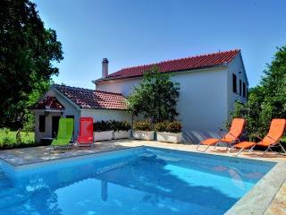 Holiday Villa with swimming pool - near Split
