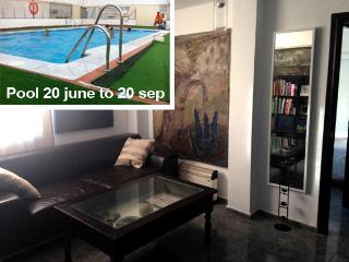 LOVELY FLAT+POOL, CENTRAL SEVILLA, Sevilha