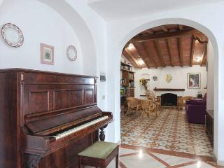 A very elegant and bright apartment in town  Olbia