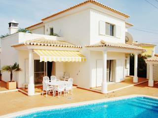 3 Bed Villa With Pool & Jacuzzi, Carvoeiro