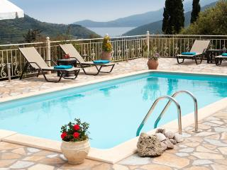 Villa Regina , near famous Mirtos beach. SPECIAL OFFER FOR MAY, Agia Efimia