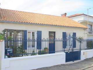 Maison de pécheur (échoppe) avec jardin agréable, La Rochelle