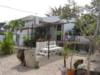 Perro Surfero Full Compound Bed and NO Breakfast, Todos Santos