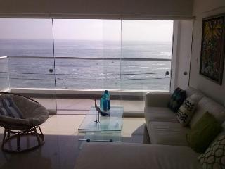 OCEANFRONT APARTMENT RENTAL IN PUNTA HERMOSA SEÑOR
