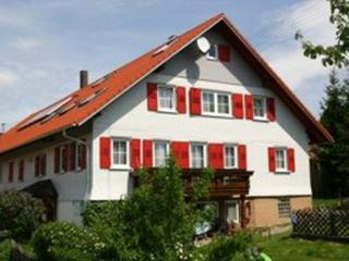 Guest Room in Pfalzgrafenweiler - 969 sqft, 3 Bedrooms (# 7740)