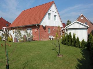 Vacation Apartment in Lübeck - 344 sqft, 1 living room / bedroom, max. 2 persons (# 8458)