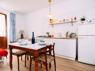 One bedroom flat with terrace, Bosa