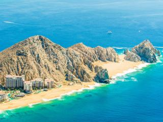 Cabo San Lucas Luxury Resort at Lands End