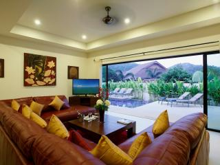 RUBY: 3 Bedroom, Private Pool Villa near Beach, Nai Harn