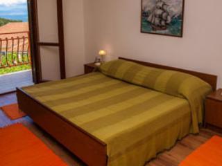 Apartments Gospodnetić- Roso, Postira