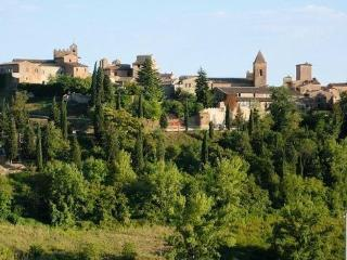 Charming House in medieval village near Florence