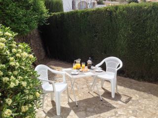 Breakfast Outside