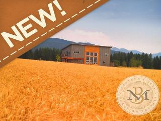 New! Chiq, modern home with stunning views! Close to Glacier Park!, Kalispell