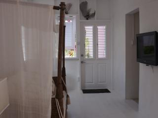 INSIDE LOOK FRONT DOOR