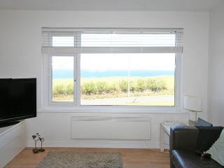 Coastline apartment 15, Whipsiderry, Porth