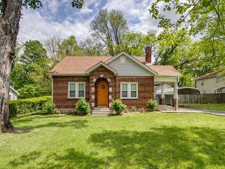 2BR 1930s Vintage Cottage Too, Newly Renovated, Great Neighborhood, Nashville