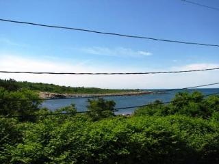 North Seas Cottage: Water views in serene Pigeon Cove, Rockport