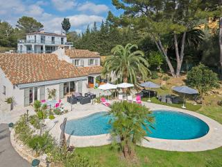 Splendid villa in Le Cannet, 5 bedrooms!