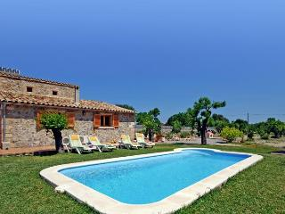 113 Family-friendly holiday cottage for 4 guests, Alcudia