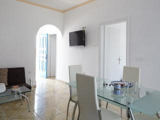 Loukas&Emma Family Houses -Three bedroom apartment