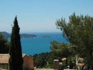 Beautiful Ground Garden 2 bedroom apartment, Hyeres