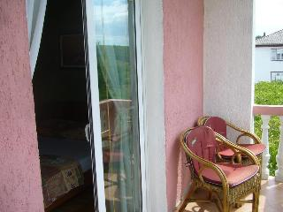 Apartment Campi 3 for 6 with a balcony and AC