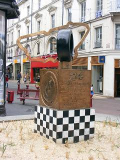 Monument to the iconic 24 hour race in Le Mans.
