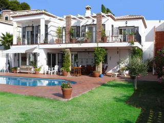 5 Bedroom Villa with Sea Views and Private Pool, La Herradura