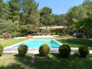 T2 avec jardin et piscine, Roquevaire