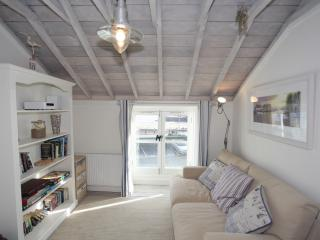 5 Sea View Cottages, Looe