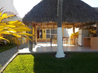 On the Canal, your own dock, pool, and 3 bedrooms, Barra de Navidad