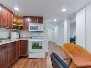 2 Bedroom Suite close to U of A, Edmonton