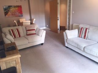 2 double bedroom with ensuite close to city centre, Edimburgo