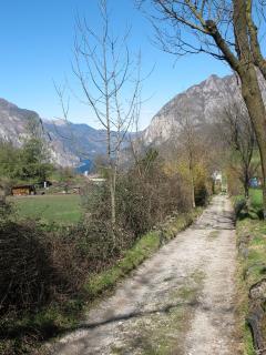 Sentiero a Neguggio, path Neguggio site
