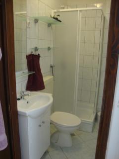 mala kupaona u spava?em dijelu stana