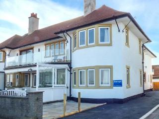 SEASCAPE beachfront with sea views, enclosed lawned garden, off road parking, family-friendly in Bridlington Ref 920172