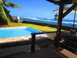 Tahiti Surf Beach Paradise Matahina, Papara