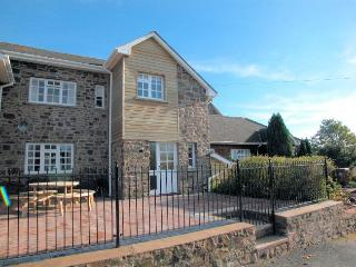 FRIAR Cottage situated in Crediton (5mls W)