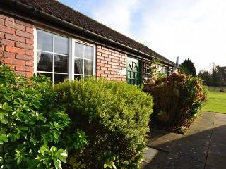 LHAN8 Bungalow in Hainford, Tunstead