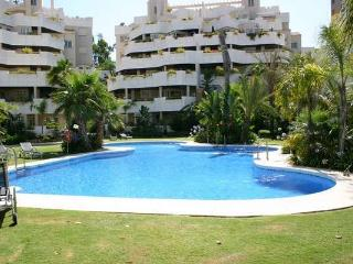 Puerto Banus (Marbella) spacious bright 2 BR apartment many amenities