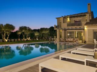 Luxury Villa Lakithra